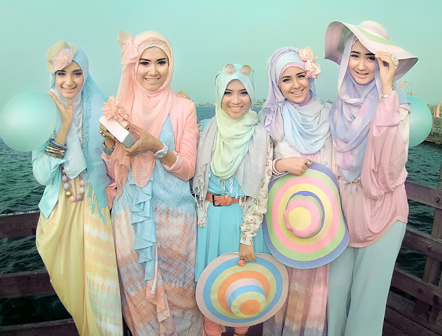 Sesuaikan Hijab Anda Dengan Warna Kulit
