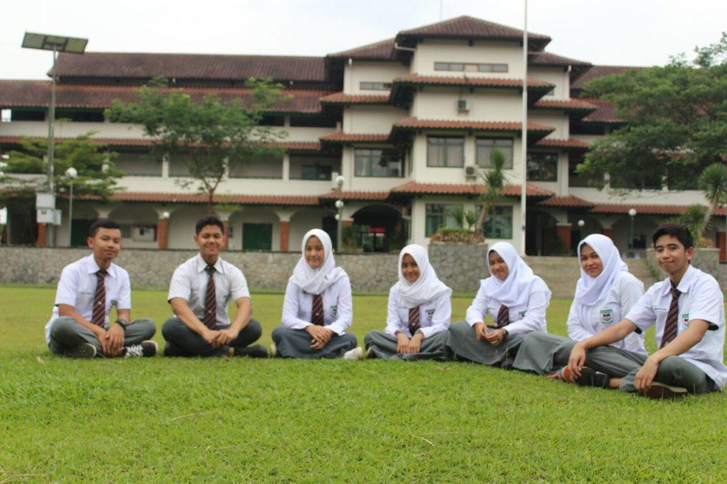 Sekolah internasional dwiwarna